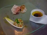 マグロのタルタル イタリア産マグロの卵のカラスミ添え イタリアンパセリとワサビのソース、ズワイガニと大麦、スペルト小麦のサラダ仕立て、ハンガリー産フォアグラのクレームブリュレ