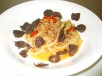 ストランゴッツィ フランス産ホロホロ鶏のラグー 黒トリュフ添え